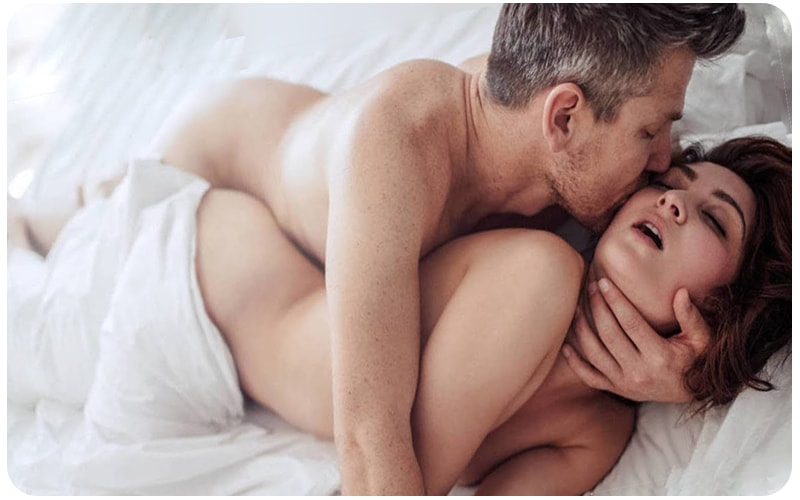 Самые лучшие позы для с секса. Сзади и сбоку